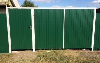 Забор из профнастила - зеленый мох RAL 6005