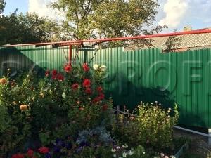 Забор из профнастила C8 RAL 6005 зеленый мох