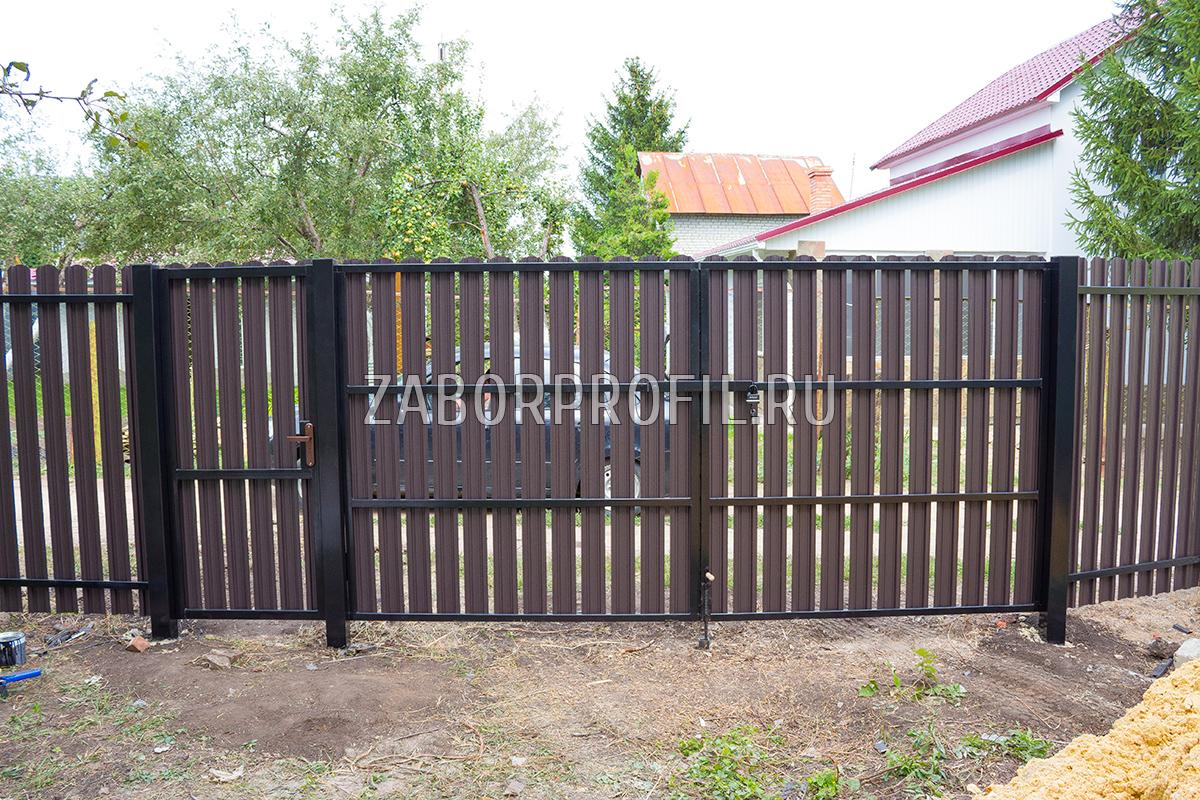 Август 2016, Расловка 2, Евроштакетник порошковый матовый RAL 8019